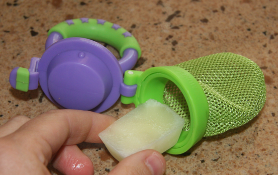 How to Make a Breast Milk Popsicle: Natural Remedy For Teething Pain